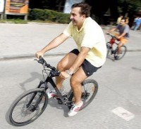 Who can stop Saakashvili's bicycle?