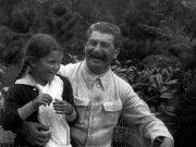 სტალინი და მისი ქალიშვილი სვეტლანა