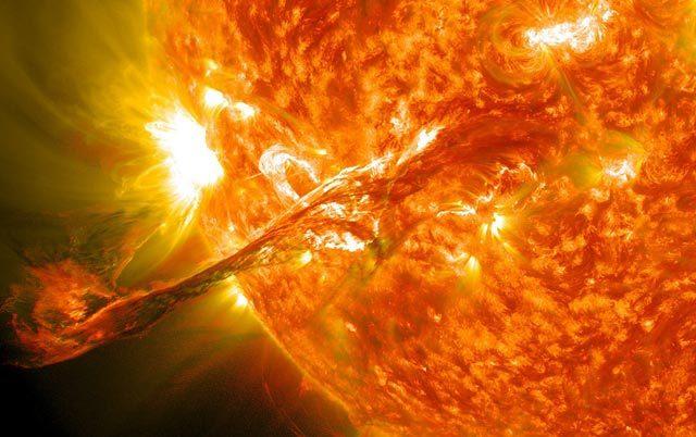 აფეთქება მზეზე