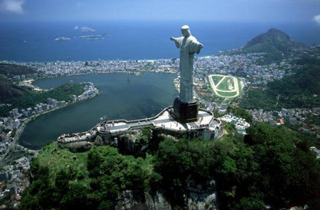 იესო ქრისტეს სტატუა ბრაზილიაში