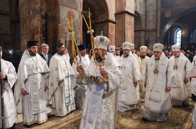 """""""რასკოლნიკები"""" როვნოში მართლმადიდებელი ტაძრის მიტაცებას შეეცადნენ"""