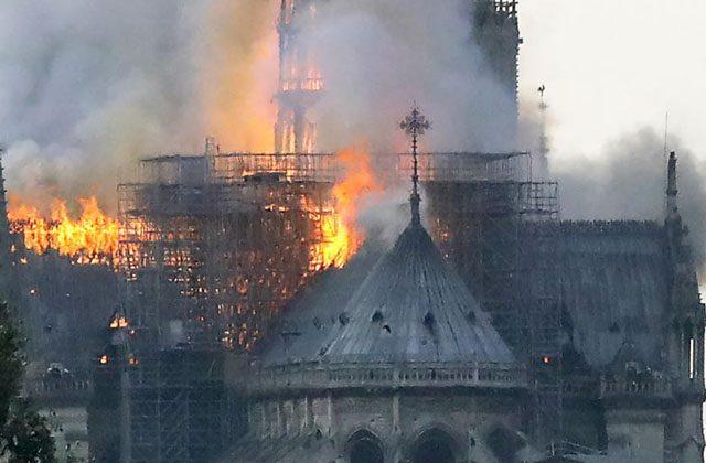 პარიზის ღვთისმშობლის ტაძარი დაიწვა