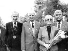 საპატიო თბილისელები (მარცხნიდან): ბორის პაიჭაძე, მელორ სტურუა, ვიქტორ გოცირიძე, მარიკა ლორთქიფანიძე, ალექსანდრე დათაშვილი და მედეა ჯაფარიძე 1988 წლის თბილისობაზე