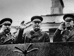 1945 წლის 24 ივნისი. მავზოლეუმის ტრიბუნაზე