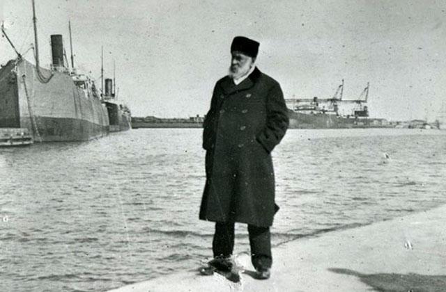 ნიკო ნიკოლაძე ფოთის ნავსადგურში