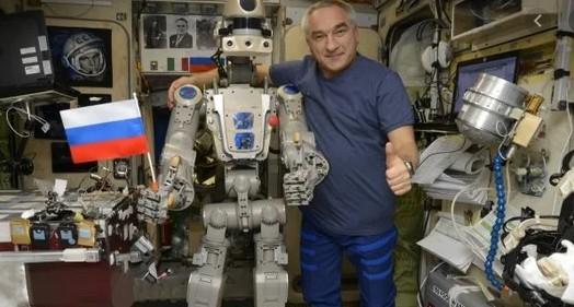 ახალი ერა კოსმოსის ათვისებაში: შორეულ მოგზაურობაში ადამიანებს ხელოვნური ინტელექტის მქონე რობოტები შეცვლიან