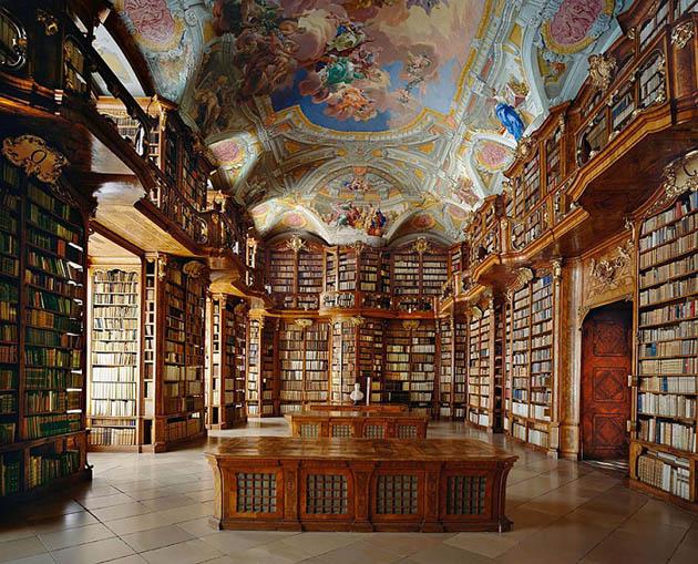წმინდა ფლორიანის სახელობის მონასტრის ბიბლიოთეკა (ავსტრია)