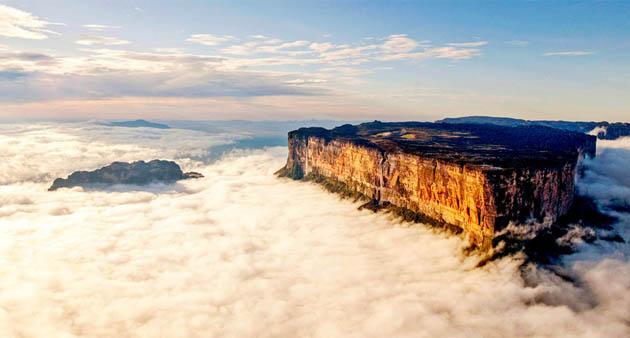 მთა რორაიამა (ბრაზილია)