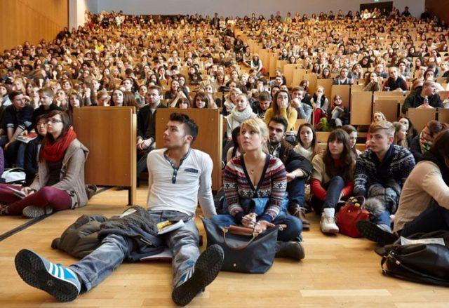 ევროპული განათლების სისტემა ღრმა კრიზისშია, ჩვენ კი ამ სისტემას უაპელაციოდ ვნერგავთ