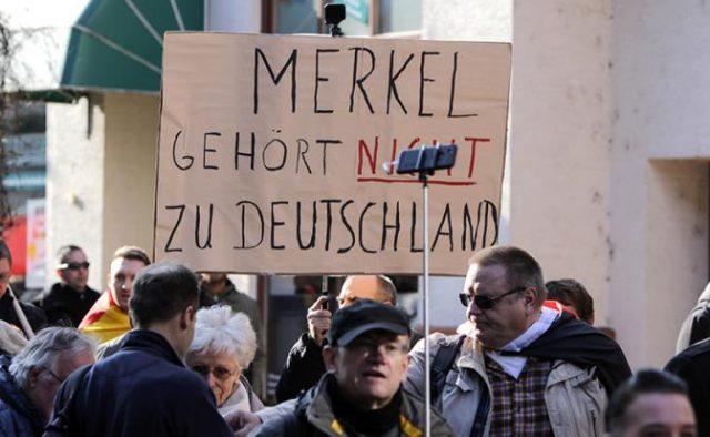 გერმანელები შოკში არიან: მერკელმა მიგრანტებს უფლება მისცა, გააუპატიურონ და მოკლან გერმანელთა შვილები