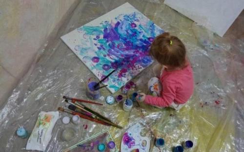 5 წლის ნიკა სტრელეცკაია დნიპროდან
