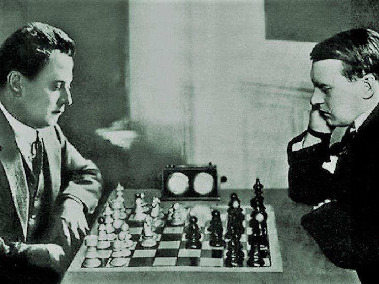 კაპაბლანკა (მარცხნივ) და ალეხინი