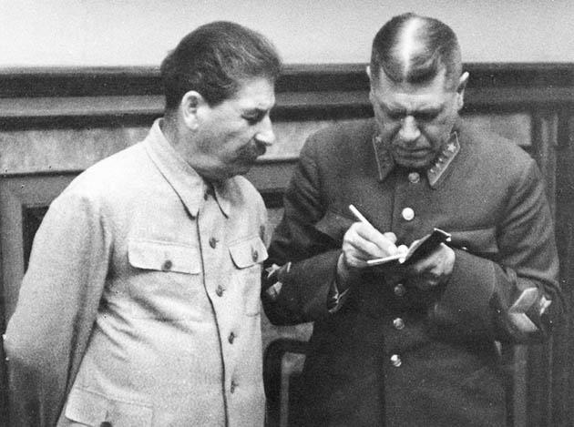 1939 წ. სტალინი და გენშტაბის უფროსი ბორის შაპოშნიკოვი