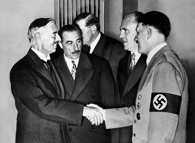 ნევილ ჩემბერლენისა და ჰიტლერის შეხვედრა