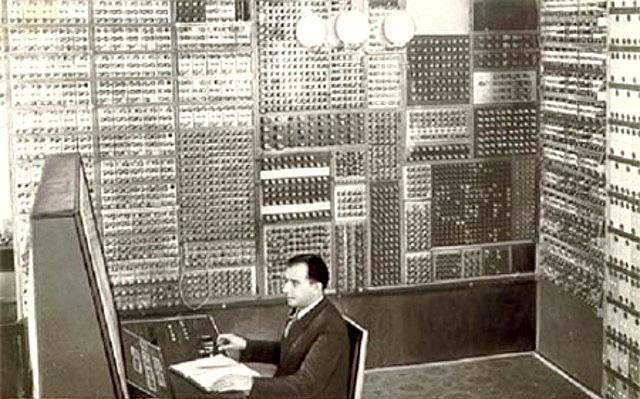 პირველი ელექტროგამომთვლელი მანქანა სსრკ-ში. 1951 წელი