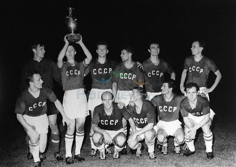 ევროპის პირველ საფეხბურთო ჩემპიონატში გამარჯვებული საბჭოთა კავშირის ნაკრები. 1960 წელი