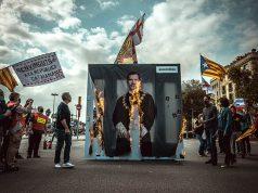 კატალონიაში საპროტესტო აქციაზე ესპანეთის მეფის პორტრეტები დაწვეს