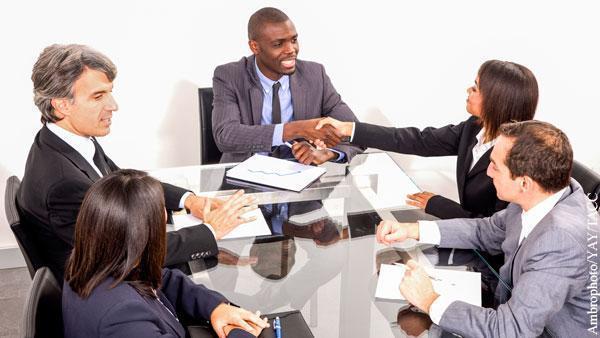 """ამერიკელ მილიარდერებს """"რევოლუციონერი"""" შავკანიანები და გეები კომპანიების დირექტორთა საბჭოებში შეჰყავთ"""