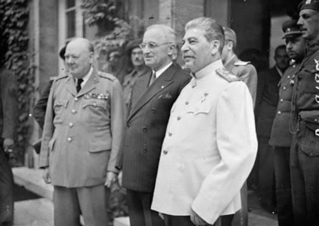 ჩერჩილი, რუზველტი და სტალინი იალტის კონფერენციაზე. 1945 წ.