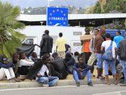 რას აპროტესტებენ ფრანგი გენერლები და პოლიციელები?