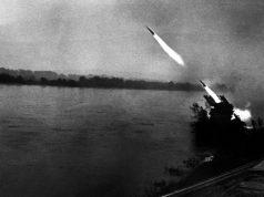 Братиславско-Брновская наступательная операция. 25 марта — 5 мая 1945 года. Советская боевая машина реактивной артиллерии «Катюша» ведёт огонь по противнику