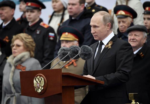 Владимир Путин поздравил грузинских ветеранов с Днем Победы и направил им помощь в честь праздника