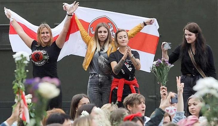 У белорусского уличного протеста очень молодое лицо.