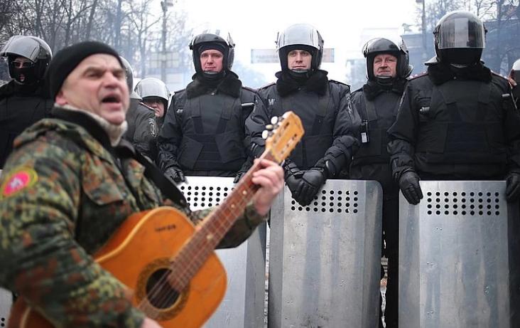 """Зима 2014 года, Киев. Песни под гитару для """"Беркута"""" в дни """"Майдана"""""""