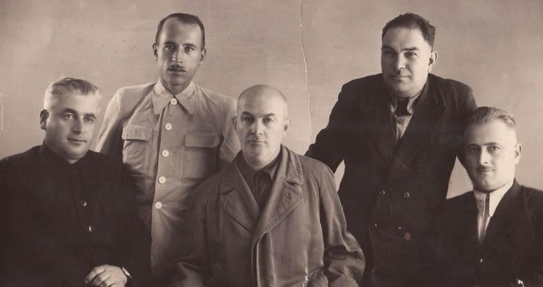 Шалва Лекишвили - второй справа