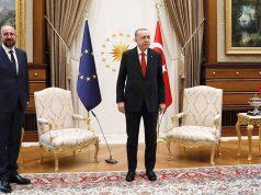 Во Франции назвали шокирующей ситуацию со стульями на встрече в Турции